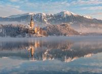 Lake Bled 11098082709| 写真素材・ストックフォト・画像・イラスト素材|アマナイメージズ
