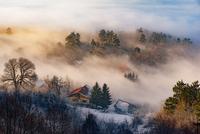 Misty sunset 11098082745| 写真素材・ストックフォト・画像・イラスト素材|アマナイメージズ