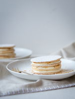 Millefeuille with mascarpone and almond praline