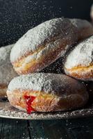 Homemade Sugary Paczki Donut 11098082925| 写真素材・ストックフォト・画像・イラスト素材|アマナイメージズ
