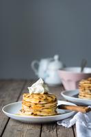 Ricotta chocolate chip pancakes 11098083066| 写真素材・ストックフォト・画像・イラスト素材|アマナイメージズ