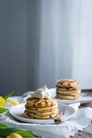 Ricotta chocolate chip pancakes 11098083068| 写真素材・ストックフォト・画像・イラスト素材|アマナイメージズ