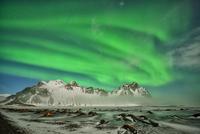 Vestrahorn aurora 11098083108| 写真素材・ストックフォト・画像・イラスト素材|アマナイメージズ