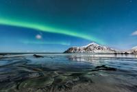 a rainbow in the ocean 11098083115| 写真素材・ストックフォト・画像・イラスト素材|アマナイメージズ