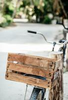 Rustic bike 11098088400  写真素材・ストックフォト・画像・イラスト素材 アマナイメージズ