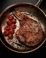 131025 Food Steak Cooked.tif 11099004758| 写真素材・ストックフォト・画像・イラスト素材|アマナイメージズ