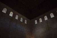 Interior of Alhambra palace 11100058844| 写真素材・ストックフォト・画像・イラスト素材|アマナイメージズ