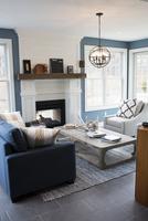Interior of modern house 11100059983| 写真素材・ストックフォト・画像・イラスト素材|アマナイメージズ