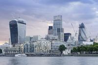 City of London skyline, including the Walkie Talkie 11102000104| 写真素材・ストックフォト・画像・イラスト素材|アマナイメージズ