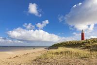 Eierland Lighthouse with dunes, De Cocksdorp, Texel, West 11102000467| 写真素材・ストックフォト・画像・イラスト素材|アマナイメージズ