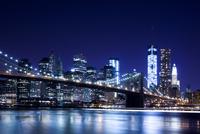 Brooklyn Bridge, view from Main Street Park over the East 11102000567| 写真素材・ストックフォト・画像・イラスト素材|アマナイメージズ