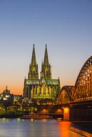 Rhine, Cologne Cathedral, Hohenzollern Bridge, Cologne 11102000838| 写真素材・ストックフォト・画像・イラスト素材|アマナイメージズ