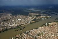 Aerial view, on the left Petrolina, Pernambuco and on the 11102000876  写真素材・ストックフォト・画像・イラスト素材 アマナイメージズ