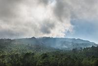 Mountain landscape with dramatic clouds, Alta Rocca 11102001049| 写真素材・ストックフォト・画像・イラスト素材|アマナイメージズ