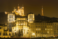 Basilica of Notre-Dame de Fourviere at night, Lyon 11102001120| 写真素材・ストックフォト・画像・イラスト素材|アマナイメージズ