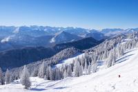 Ski resort Brauneck, Lenggries, Isarwinkel, Karwendel 11102001641  写真素材・ストックフォト・画像・イラスト素材 アマナイメージズ