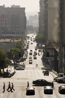 Traffic on 4th Street, Downtown, Los Angeles 11104007484| 写真素材・ストックフォト・画像・イラスト素材|アマナイメージズ