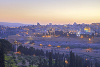 View of Jerusalem from The Mount of Olives, Jerusalem, Israel, Middle East 11104012128| 写真素材・ストックフォト・画像・イラスト素材|アマナイメージズ
