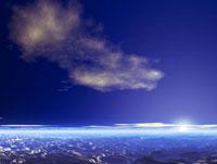 惑星の地形と空と夕暮れ