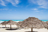 バラデロのビーチ 28144058429| 写真素材・ストックフォト・画像・イラスト素材|アマナイメージズ