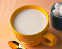 ホットミルク 28144080516| 写真素材・ストックフォト・画像・イラスト素材|アマナイメージズ