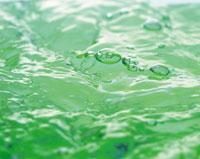 水面の揺らめき 28144081011| 写真素材・ストックフォト・画像・イラスト素材|アマナイメージズ
