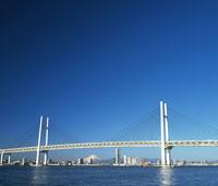 横浜ベイブリッジ 28144082973| 写真素材・ストックフォト・画像・イラスト素材|アマナイメージズ