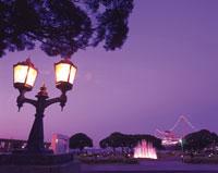 山下公園のガス燈 28144083015| 写真素材・ストックフォト・画像・イラスト素材|アマナイメージズ