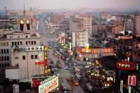 銀座の街並み 28144088976| 写真素材・ストックフォト・画像・イラスト素材|アマナイメージズ