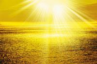 輝く水面 28144090082| 写真素材・ストックフォト・画像・イラスト素材|アマナイメージズ