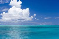 海と青空 28174008989| 写真素材・ストックフォト・画像・イラスト素材|アマナイメージズ
