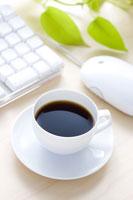 デスクに置かれたコーヒー