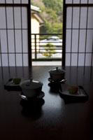 旅館のお茶と和菓子