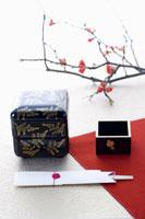 重箱と枡の正月イメージ