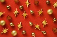 散りばめたクリスマスオーナメント