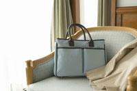 ソファの上のバッグ