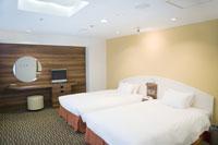 ベッドが2つ並んだ部屋
