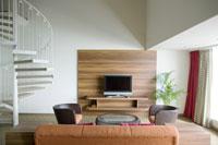 螺旋階段がある部屋 28208000111| 写真素材・ストックフォト・画像・イラスト素材|アマナイメージズ