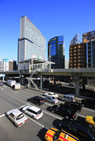 新橋駅周辺の街並み