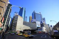 JR新橋駅汐留口駅前の高層ビル