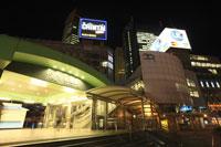 ゆりかもめ新橋駅周辺の夜景