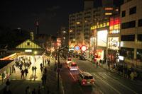 原宿駅前の夜景