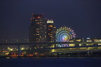 東京港と大観覧車の夜景