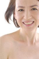 40代日本人女性のビューティーイメージ 30703000001| 写真素材・ストックフォト・画像・イラスト素材|アマナイメージズ