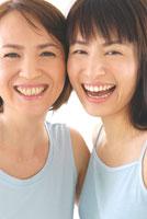 母と娘のビューティーイメージ 30703000016| 写真素材・ストックフォト・画像・イラスト素材|アマナイメージズ