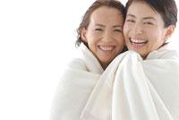 母と娘のビューティーイメージ 30703000018| 写真素材・ストックフォト・画像・イラスト素材|アマナイメージズ