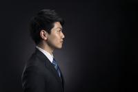 ビジネス男性の横顔 33000004638| 写真素材・ストックフォト・画像・イラスト素材|アマナイメージズ