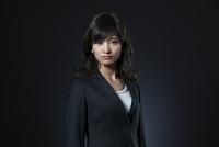 ビジネス女性のポートレート 33000004693| 写真素材・ストックフォト・画像・イラスト素材|アマナイメージズ
