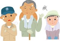 高齢化に悩む農業従事者 60008000438| 写真素材・ストックフォト・画像・イラスト素材|アマナイメージズ