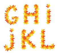 Alphabet made from autumn falling maple leaves 60016016030| 写真素材・ストックフォト・画像・イラスト素材|アマナイメージズ